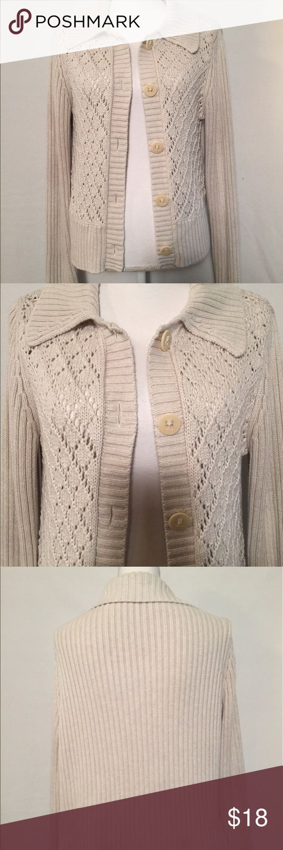 """Hanna Andersson Women's Cardigan, Size small 100% cotton Women's Cardigan. Pretty knit detail on front. Cream color. Bust measures 40"""". Length measures 21"""". No rips, tears, stains, or holes. 😀 Hanna Andersson Sweaters Cardigans"""