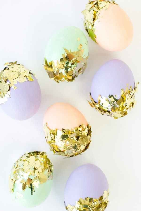 """Eggs Dipped in Gold Confetti   19 """"Speggtacular"""" Ways To Decorate Easter Eggs"""