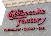 Cheesecake Factory Restaurant Copycat Recipes: Peppermint Bark Cheesecake