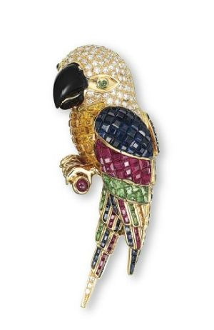 A MULTI-GEM AND DIAMOND 'PARROT' CLIP BROOCH