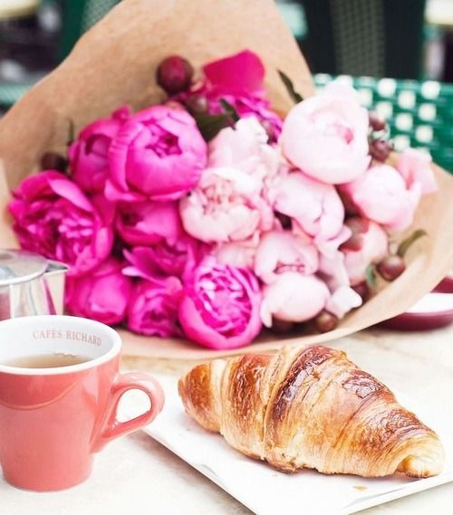 audreylovesparis:  Parisian breakfast