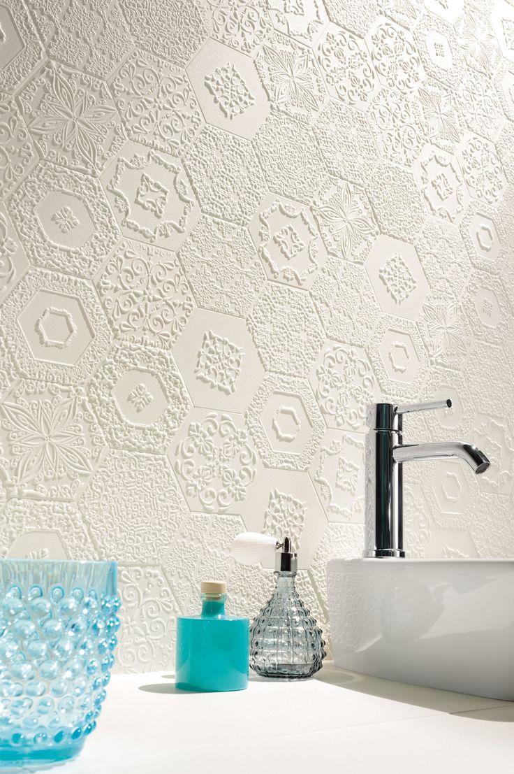 Romantikus hangulatban? Válasszon finom csipkét, részlet gazdag textúrákat fürdőszobába is!