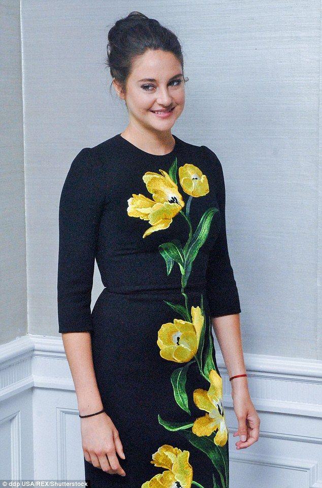 Get glamorous like Shailene in Dolce & Gabbana #DailyMail
