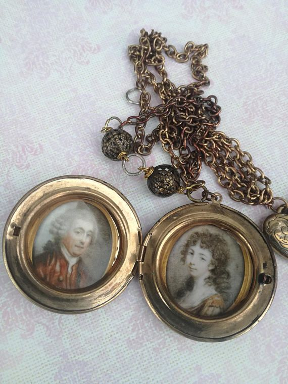 Locket necklace Vintage style photo locket love locket