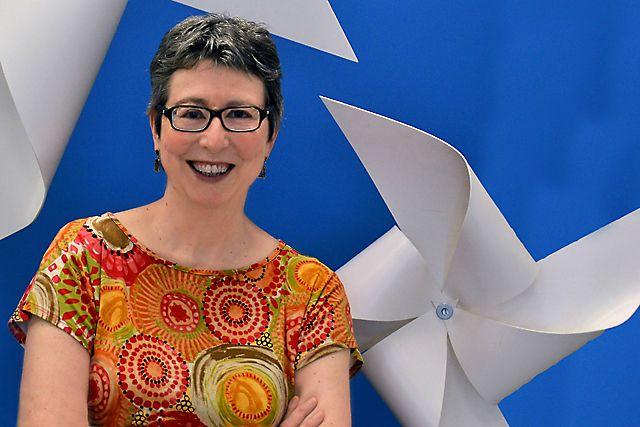 """María Jesús Esteban: """"Europa tiene que seguir invirtiendo en materia gris"""" María Jesús Esteban en la entrada del Centro Vasco de Matemática Aplicada (BCAM). Foto: © Izaskun Lekuona"""