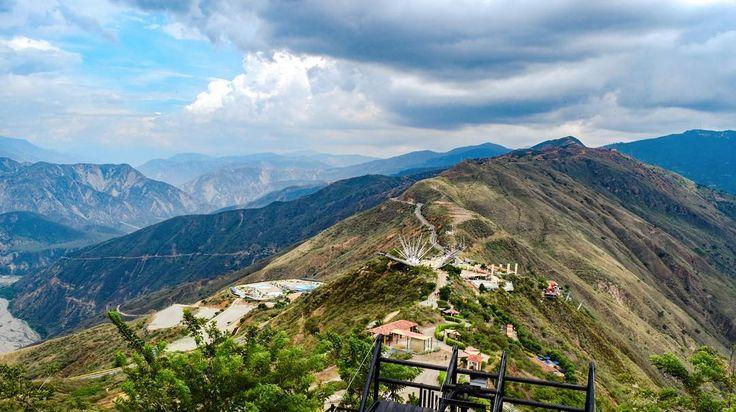Terminamos creando caminos para encontrarnos  #Colombia #Santander #cañondelchicamocha #Adventure #World #MyLife #Moments #Roadtrip #Memories #Sky #Wonderful #Colombia  #JGGHTrip  #16_9