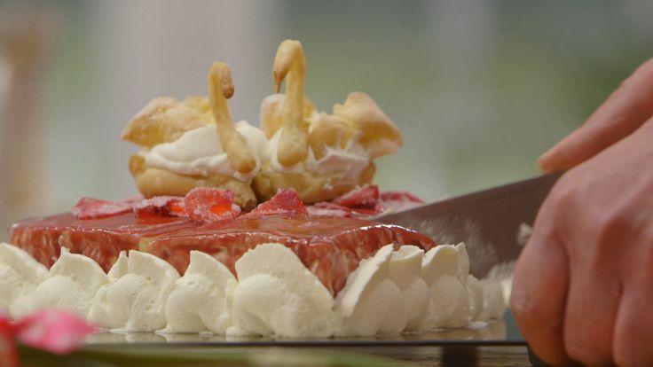 La vie en rose... Farida bakte een prachtige liefdestaart #HHB #HeelHollandbakt #HHBrecepten #HeelHollandbaktrecepten