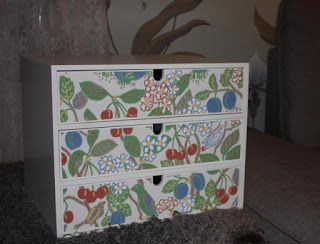 painted and wallpapered with Josef Frank wallpaper