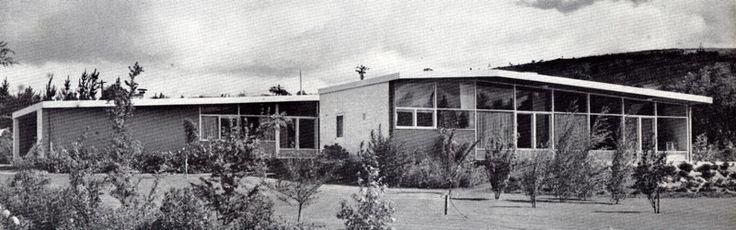 Robin Boyd. 8 Monaro Crescent, Red Hill (1952-53)