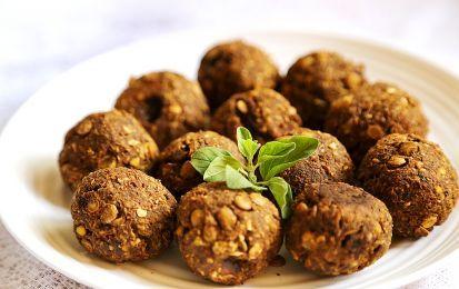 Polpette di lenticchie - Le polpette di lenticchie sono una ricetta light e gustosa che può essere preparata in poche e semplici mosse. Questo piatto può essere servito a pranzo o a cena come secondo piatto oppure come antipasto. Inoltre, le polpette possono essere accompagnate con una fresca insalata oppure con delle verdure grigliate. Questo piatto, visto l'assenza di carne o pesce, è perfetto anche per coloro che seguono un'alimentazione vegetariana. Le polpette di legumi rappresentano…