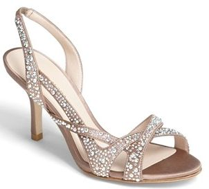 Love the glittering metallic finish on these sandals! http://rstyle.me/n/eum54nyg6