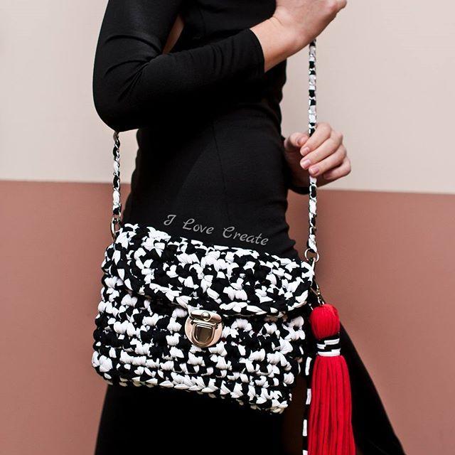 Сумочка- кроссбоди В НАЛИЧИИ🔖 Размер 28*20 см Состав: хлопок, полиэстер. Подкладка: креп-сатин Цена 750 грн Для заказа Viber/direct, 📲099 28 58 726 #handmade #crocheting #crochetbags #bags #trend2017 #cloutch #i_love_create #madeinukraine #вяжуназаказ #сумкикрючком #сумкиручнойработы #дизайнерскиесумки #сумкивналичии #сумкиназаказ #сумканацепочке #модныесумки #клатч #модныйклатч #куплюсумку #кроссбоди #мода #заказатьсумку #украина #киев #подаркидевушкам #подаркина14февраля…