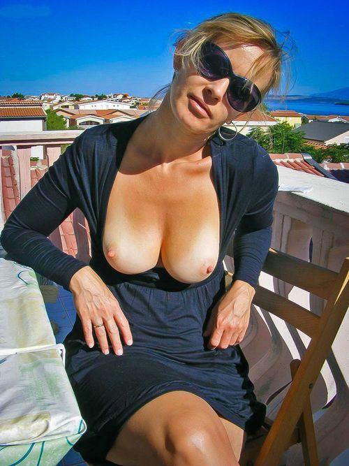 naked hot girls sucking dick and having sex