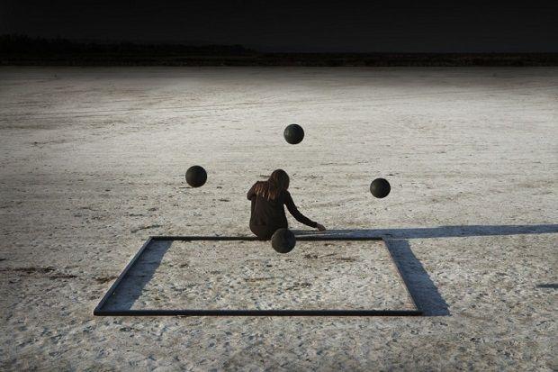 """by Corinne Mercadier - """"Fata Morgana"""", proyecto """"Solo"""". #arte #fotografia #fineartphotography #surreal #iconocero"""