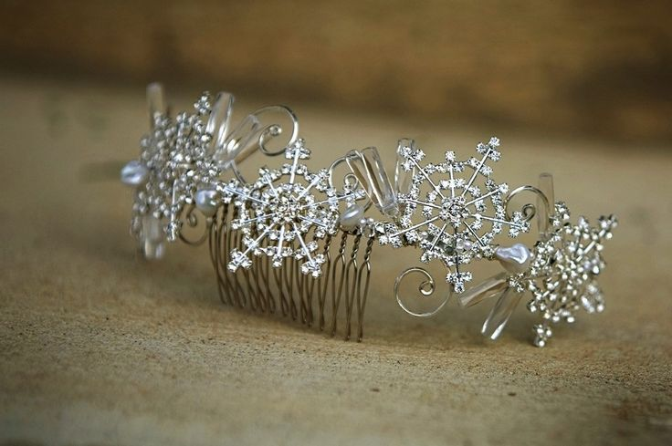 Winter Wedding Hair Accessories Rhinestone Snowflake Comb