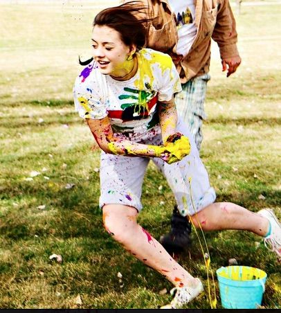Messy play for teens: How to host a paint fight | Great tips by Happy Thoughts