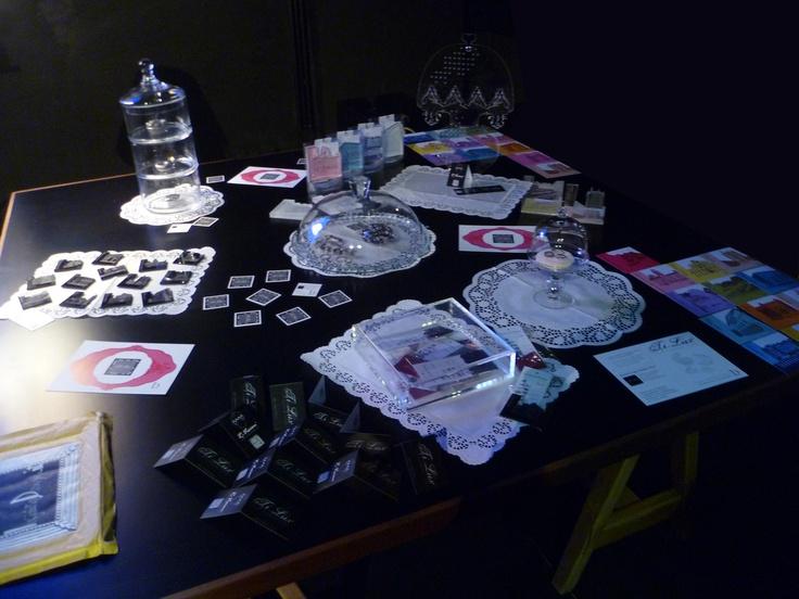 InfinitoDesign presso DesignLibrary al FuoriSalone 2013.  Allestimento Creativo InfinitoDesign.  Le Collezioni in esposizione:  - Scorci di Parma Gadget Territoriali ed Oggetti Innovativi ( http://www.scorcidiparma.it/ )  - TiLux - TITANIUM LUXURY Gioielli preziosi ed oggetti unici in Titanio ( http://www.titaniumluxury.it/ )  - R-Vision innovativa Lampada in plexiglass Luxury Abat-Jour (http://www.infinitodesign.it/ )