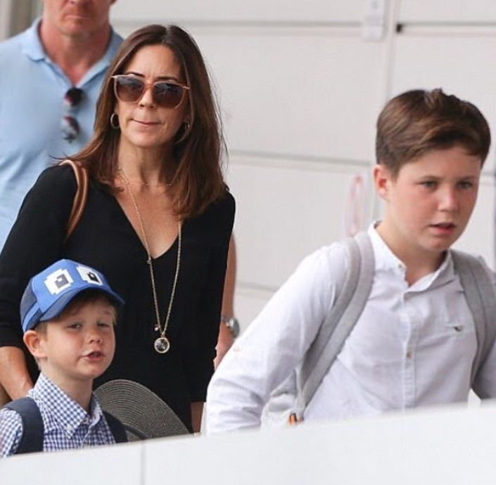 PRINCESS Mary has returned home to Hobart for the first time in six years to spend Christmas with her Tasmanian family. 21/12-2017