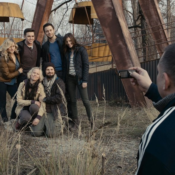 Dimitri Diatchenko, Jesse McCartney, Nathan Phillips, Jonathan Sadowski, Ingrid Bolsø Berdal, Olivia Dudley and Devin Kelley in Chernobyl Diaries