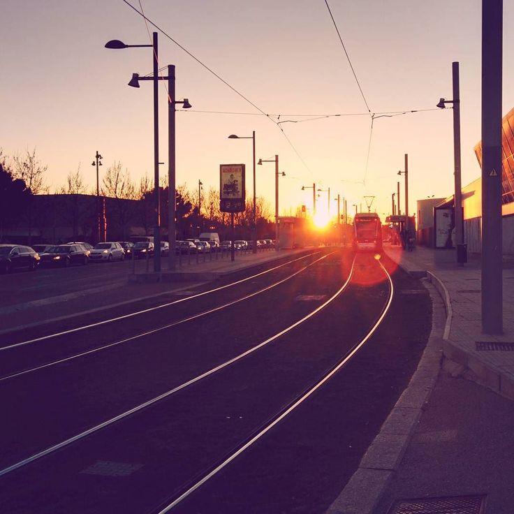 -- VIAJEROS AL TREN -- #mañocasos [#albertosierra_mobilephotography]