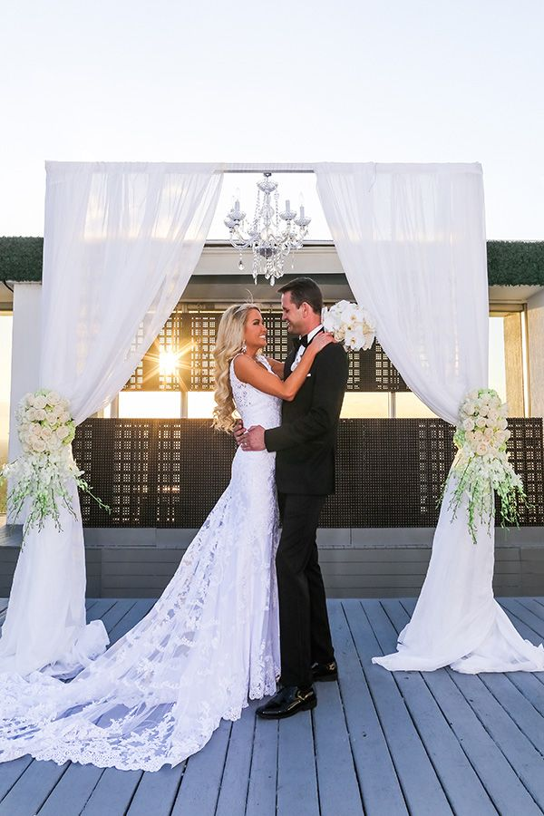 In terms of an elegant destination wedding in Miami, this one sets the precedent with year-round fabulous weather and picturesque scenery.