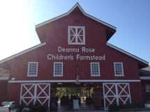Entrance to Deanna Rose Children's Farmstead in Overland Park, Kansas. Photo taken September 3, 2012. - Paulmcdonald/Wikimedia Commons
