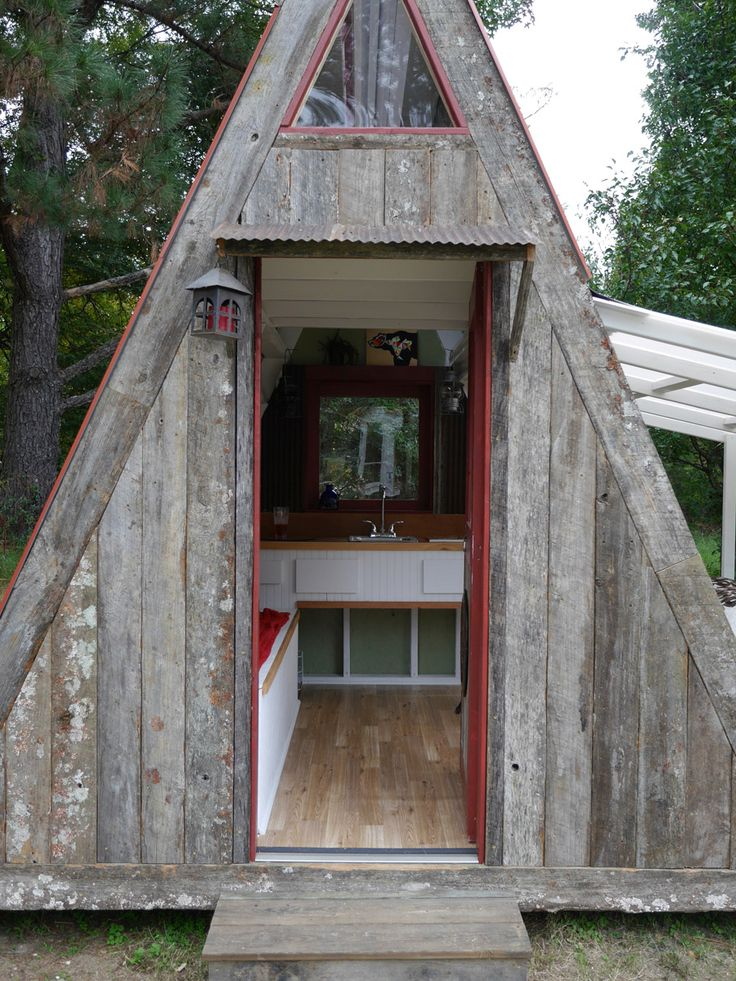 1202 best tiny home images on pinterest small houses for Best material to build a house