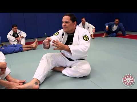 Setting Up Butterfly Guard by Saulo Ribeiro - YouTube