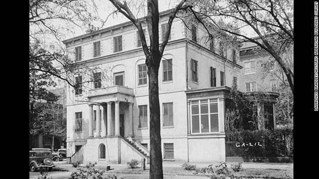 Wayne-Gordon House: Built and renovated between 1821 and 1886 in Savannah, Georgia, the childhood home of Girl Scouts founder Juliette Gordon Low, is an English Regency-style home with Greek revival neoclassical additions. It's where is the ghost of Gordon Low's father, Willie Gordon, was said to return to escort his wife, Nelly, to the afterlife.