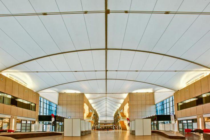 Eine einklappbare Dachkonstruktion für den zentralen Innenhof der Großen Pariser Moschee