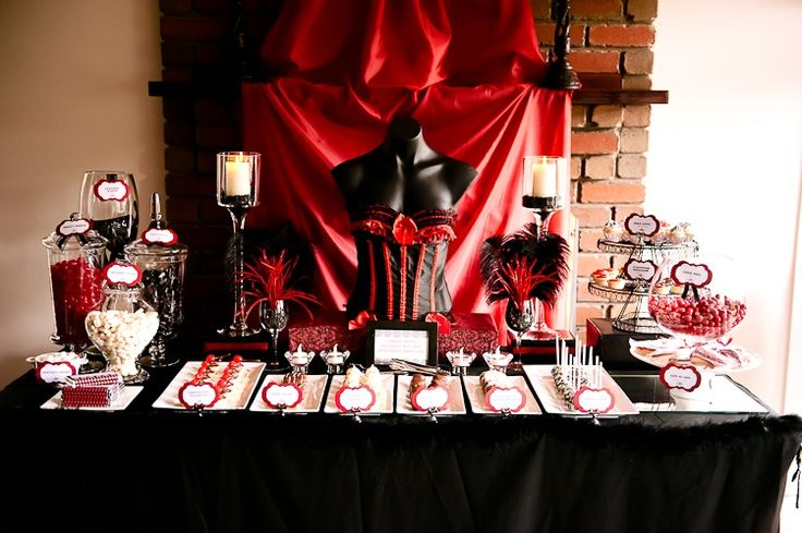 Lolly and sweet buffet in burlesque theme by LP Events