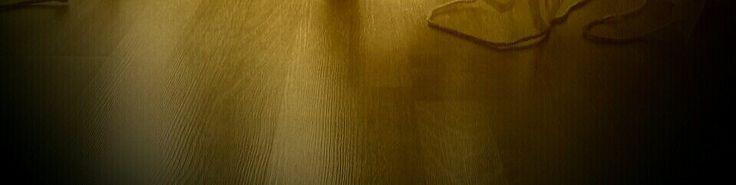 Posatura e manutenzione pavimenti in LVT e SUGHERO anti muffa e antibatterico.   Per una casa sana e pulita . http://www.vaishome.it/pavimenti-porte/