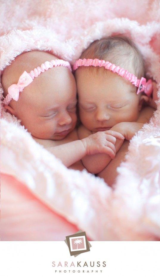twin babies - Google Search#imgrc=A_nLX42zJ2FjdM%3A%3BZVP524YiksiJYM%3Bhttp%253A%252F%252Fcapturedbycarrie.com%252Fblog%252Fwp-content%252Fuploads%252F2008%252F08%252Fnewborn_baby_twins_photo.jpg%3Bhttp%253A%252F%252Fcapturedbycarrie.com%252Fblog%252F2008%252F08%252F16%252Ftwin-bros%252F%3B390%3B279