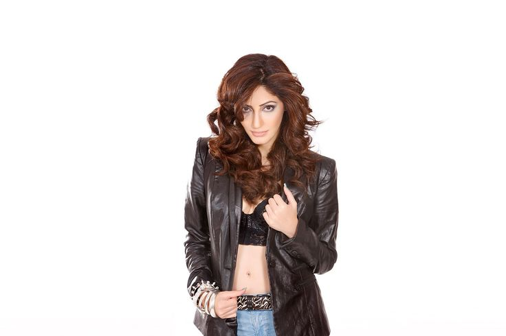 Unseen Hot Pics of Bollywood Super Model Reyhna Malhotra Check more at http://cinebuzz.org/pics/bollywood-unsensored/unseen-hot-pics-of-bollywood-super-model-reyhna-malhotra/