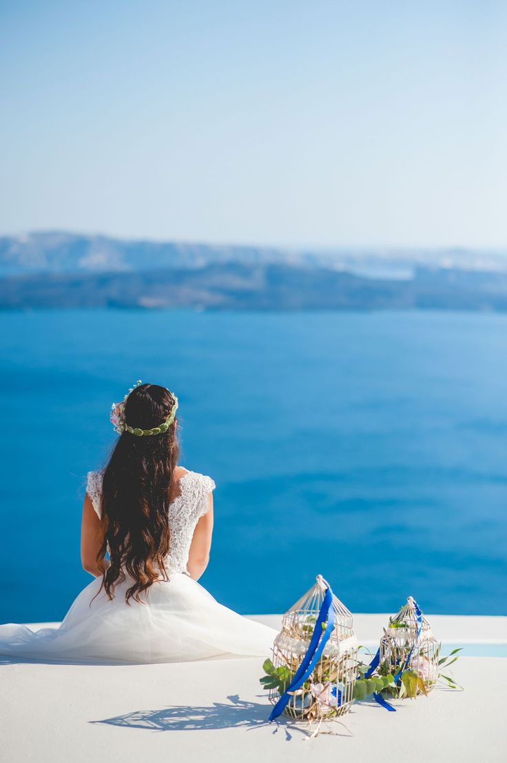 #BridalHair from couples inspiration styled shoot in Santorini, Greece. Capture by #Phosart Photography & Cinematography See more www.photographergreece.com