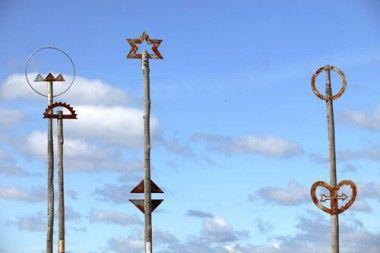 wellington art icons - Sculpture on the City to Sea Bridge near Civic Square.