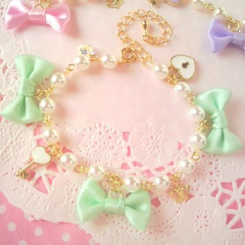 bows.quenalbertini: Pastel bow bracelet | Kawaii Shop, Blippo