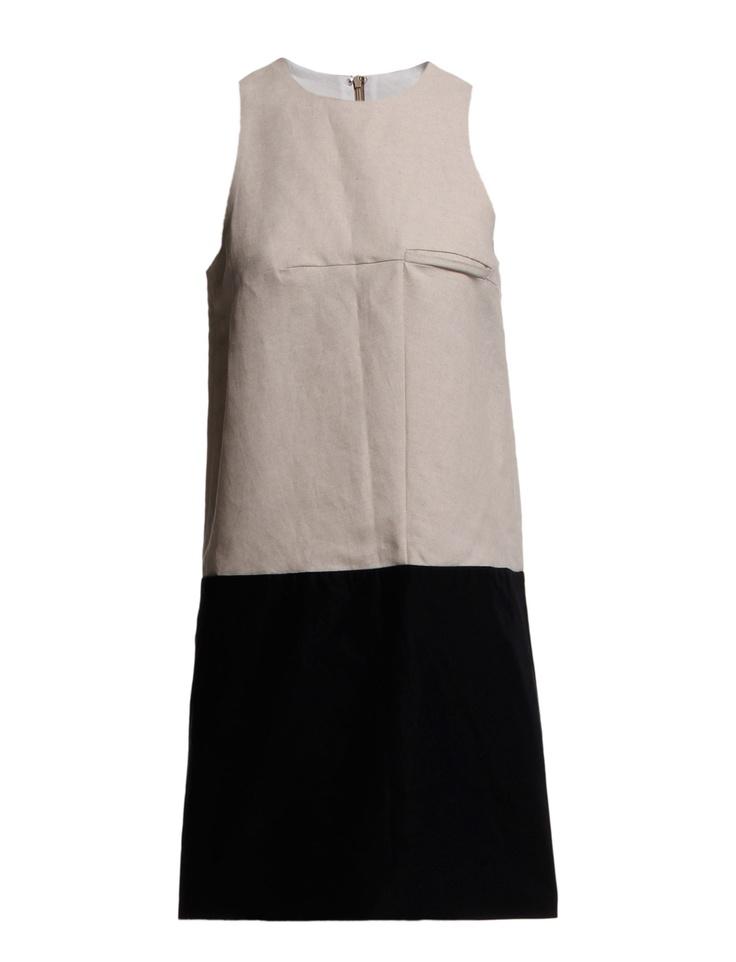 SHORT TORSO - An A-lined dress will make your waist look longer.