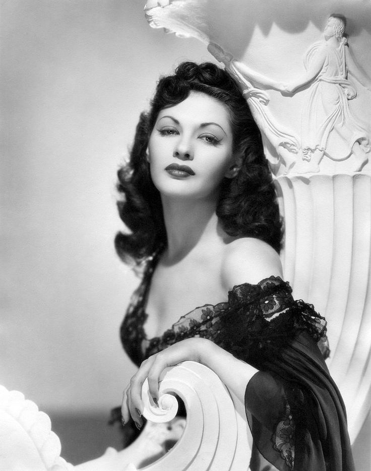 Beautiful, glamorous Canadian-American actress, Yvonne De Carlo.