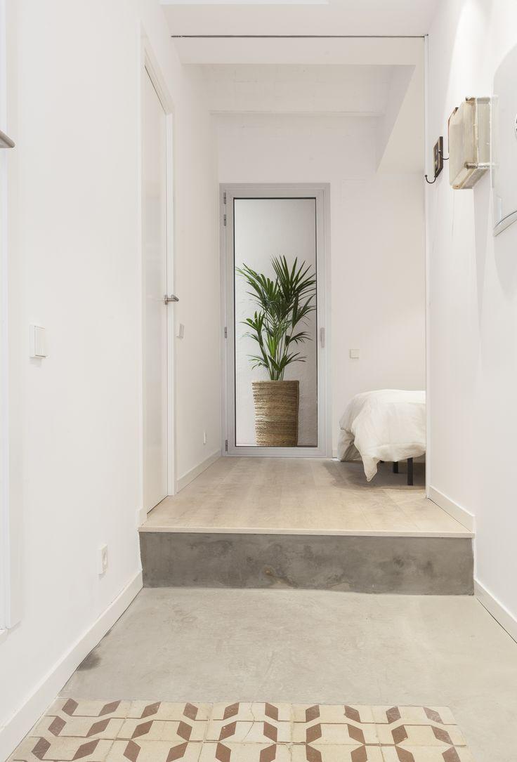 Pasillos, vestíbulos y escaleras de estilo  por OAK 2000