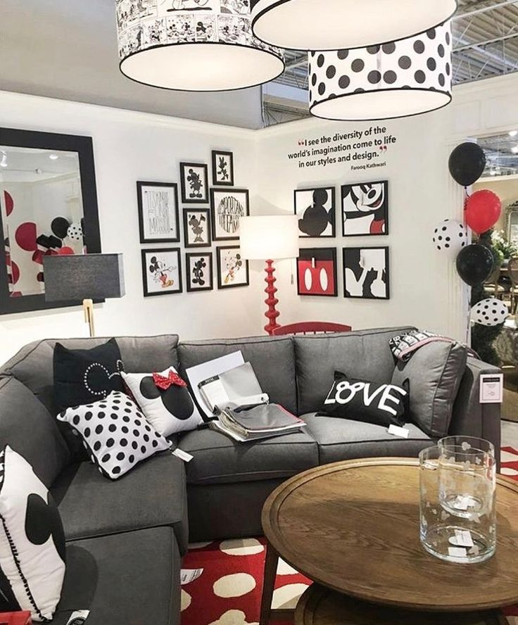 Mickey / Minnie Mouse House Theme
