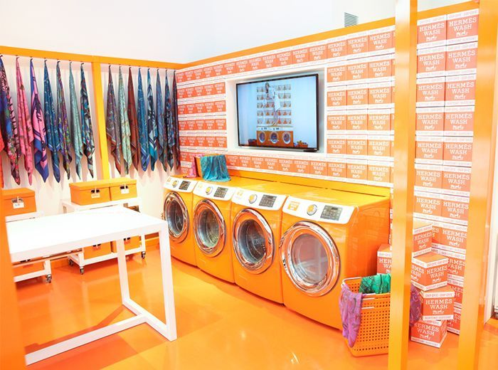 Of Course Hermes Had The Chicest Pop Up Store In L A Pop Up