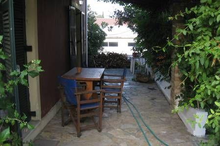 Δείτε αυτήν την υπέροχη καταχώρηση στην Airbnb: Old cottage  in Town - Σπίτια προς ενοικίαση στην/στο Alepou