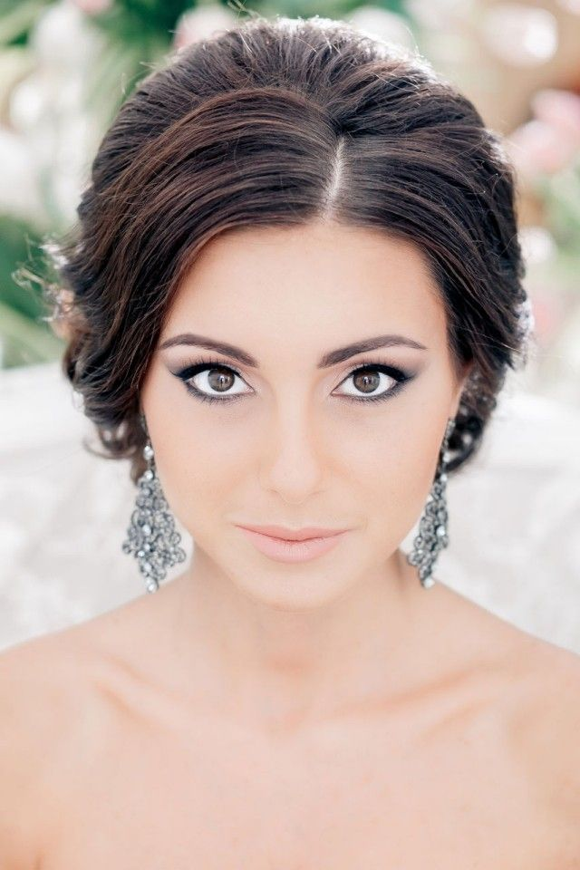 braut make up f r brunetten betonte augen neutrale lippen ohrringe wedding pinterest makeup. Black Bedroom Furniture Sets. Home Design Ideas