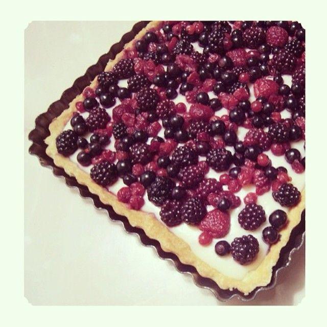 Tarta cu crema de lapte si fructe de padure  #tart #sweettart #berries #milkcream