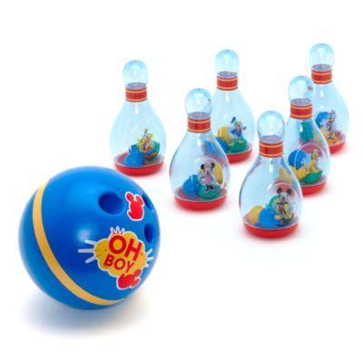 Il nostro fantastico set da bowling di Topolino farà sicuramente colpo sui più piccoli. La piccola palla da bowling e i sei birilli con sonagli all'interno sono tutti decorati con divertenti immagini di Topolino e dei suoi amici.
