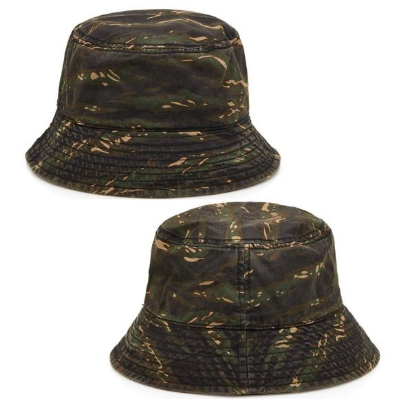 """Camo Bucket Hat Forever 21 MEN bucket hat. Covered in a tigerstripe camo print. Fully lined. Woven. Shell: 100% cotton; Lining: 77% polyester, 23% cotton 23.5"""" Circumference; 2.25"""" Brim. One size fits most. New with tags. Forever 21 Accessories Hats"""