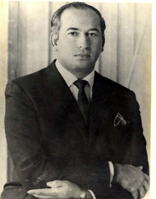 1979. Zulfikar Ali Bhutto, (1928-1979), Pakistani statesman, president (1971–73), and prime minister (1973–77), a popular leader who was overthrown and executed by the military. https://en.wikipedia.org/wiki/Zulfikar_Ali_Bhutto https://global.britannica.com/biography/Zulfikar-Ali-Bhutto http://news.bbc.co.uk/onthisday/hi/dates/stories/april/4/newsid_2459000/2459507.stm https://www.youtube.com/watch?v=qYHUJBRRnc4