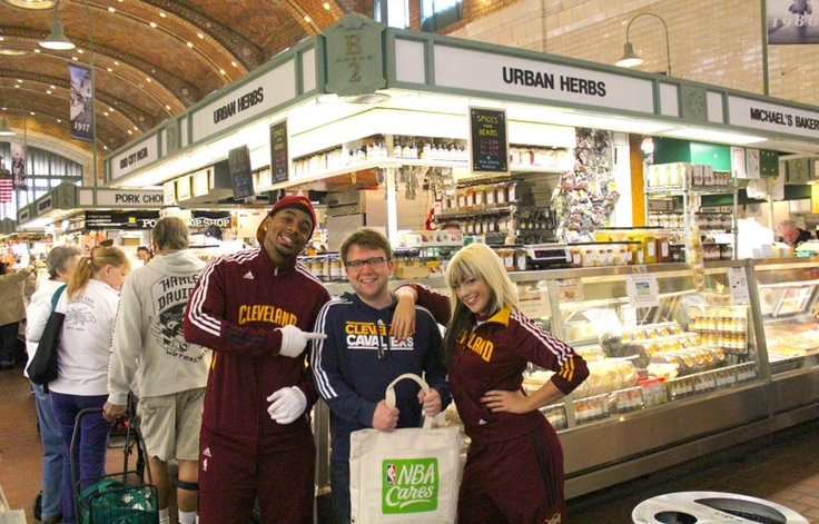Wine & Gold went GREEN on April 10th as Sir CC, Ahmaad and the Scream Team ventured to Cleveland's West Side Market to find Cavs fans using reusable bags! Fans (like Isaac!) won game tickets and NBA Cares Green Week prizes.