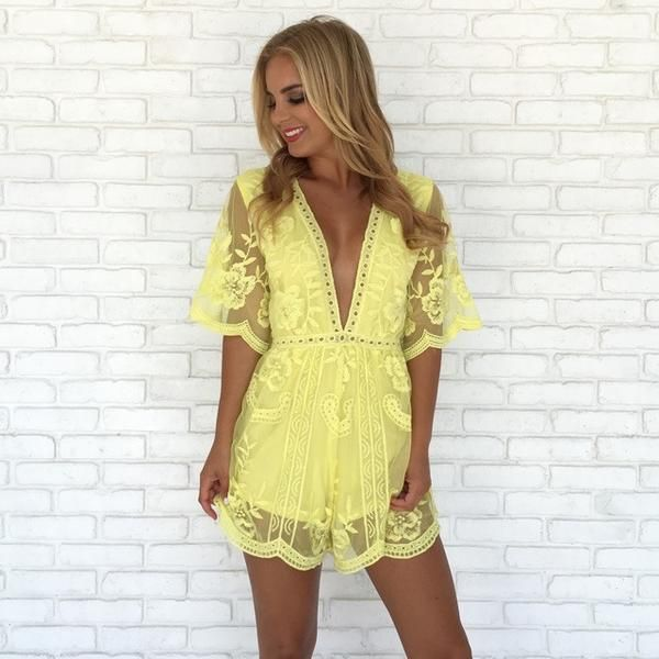 New Arrivals daily at your favorite online clothing boutique shop with the hottest styles and looks. Online Fashion Clothing Boutique